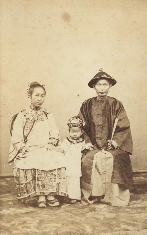 "Ceremonial attire of a woman with simple ""cloud collar"" and a man without ""Mandarin square"""